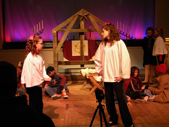 summary from magiktheatreorg - The Best Christmas Pageant Ever Summary
